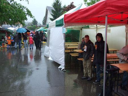 Wechselvoller Wolfhauser Dorfmärt: Wetterpech 2012...