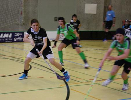 In Action: Maria Rasmussen, die Autorin der Unihockey-Spielberichte