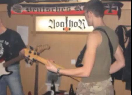 """Die Band """"Amok"""" beim Proben (Bild: Screenshot eines Youtube-Videos)"""