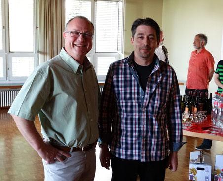 Ein strahlender FDP-Präsident Kurt Bylang (links) und sein frischgewählter Gemeinderat Serge Berger