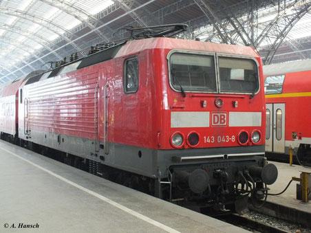 Am 4. Februar 2012 steht 143 043-8 in Leipzig Hbf.