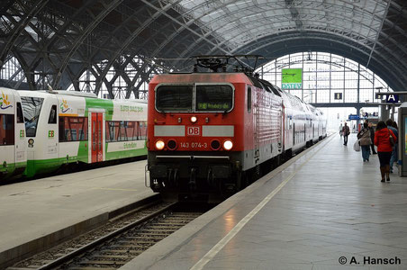 143 074-3 erreicht am 11. Oktober 2014 gerade Leipzig Hbf. mit ihrer Regionalbahn