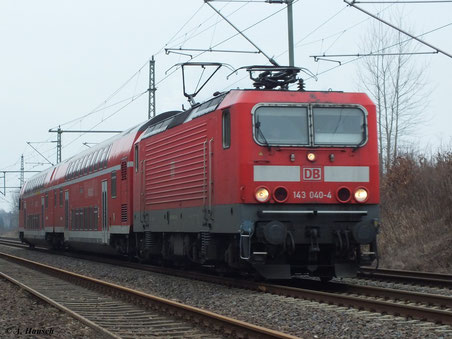 Am 4. März 2012 verlässt 143 040-4 den Hp Chemnitz Hilbersdorf in Richtung Dresden
