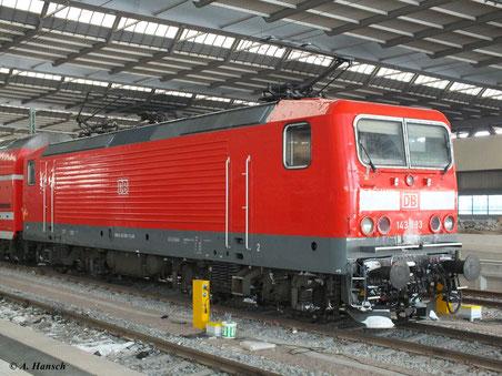 143 883-7 steht am 11. Februar 2012 in Chemnitz Hbf.