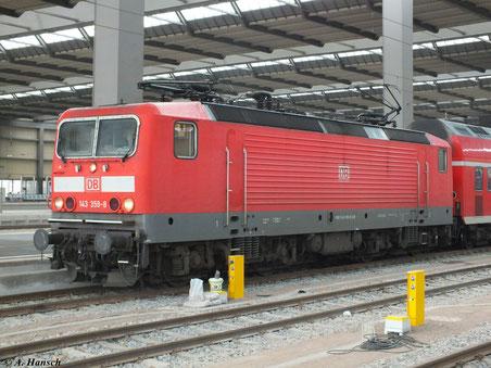 Ein schönes Portrait der 143 359-8 entstanden am 22. Februar 2012 in Chemnitz Hbf. (Gleis 7)