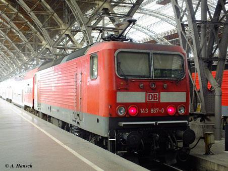 Leipzig Hbf.: 143 867-0 wartet am 26. Mai 2012 als RB nach Luth. Wittenberg auf Ausfahrt
