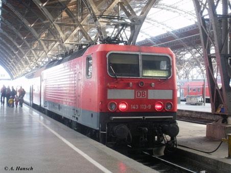 143 113-9 mit RE nach Magdeburg am 22. Oktober 2011 in Leipzig Hbf.