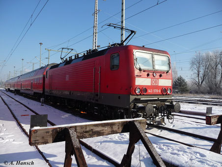 143 570-0 steht am 4. Februar 2012 in Luth. Wittenberg Hbf.