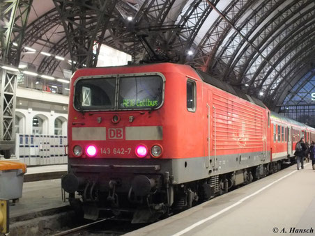 143 642-7 mit RE nach Cottbus am 29. Dezember 2012 in Dresden Hbf.