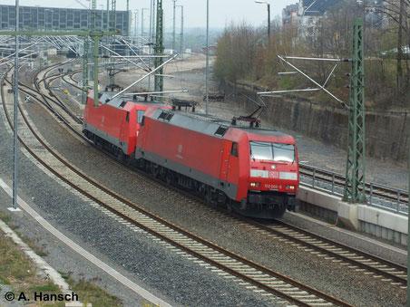 Am 31. März 2014 brachten 152 008-9 und 152 040-2 einen Kokszug nach Chemnitz Hbf. Hier sind die Maschinen beim Rangieren zu sehen. Sie fahren Lz gen Freiberg weiter
