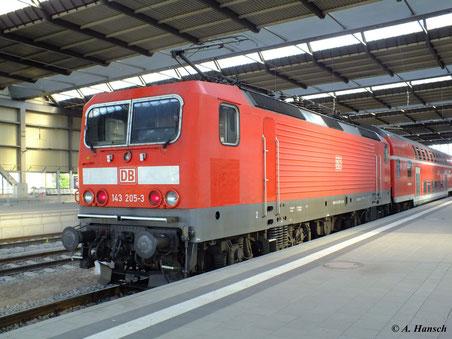 143 205-3 am 17. Mai 2012 in Chemnitz Hbf. (Gleis 10)