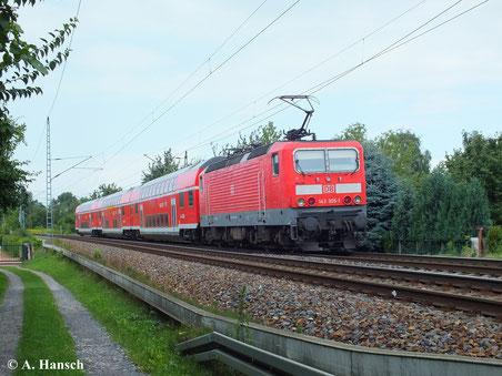Am 13. August 2013 durchfährt RE18 nach Cottbus mit 143 305-1 den Hp Dresden Stetzsch