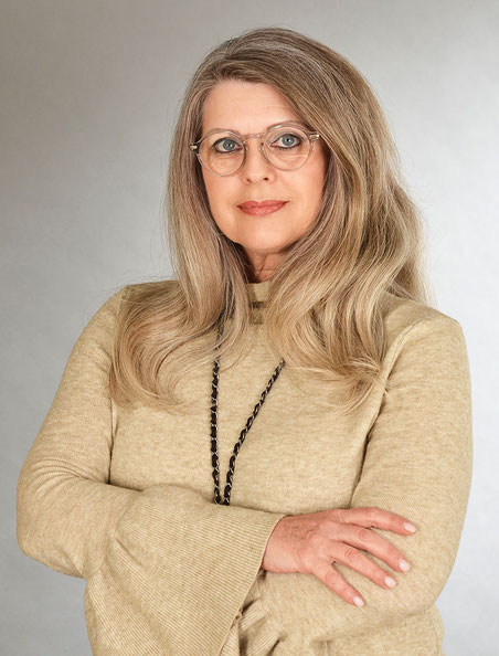 Portrait von Evelyne Brüger, staatlich anerkannte Logopädin