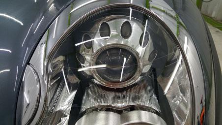 BMW・ミニ ヘッドライトの黄ばみ・クラック除去 埼玉三芳の車磨き専門店