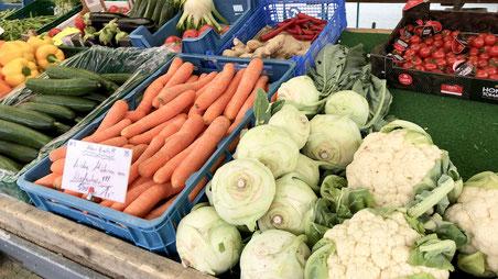 Wochenmarkt Karotten Kohlrabi Blumenkohl Tomaten Paprika Fenchel