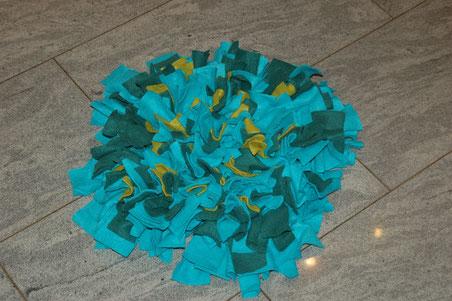 so sieht der Schnüffelteppich aus und ist ca. 45 x 45 cm