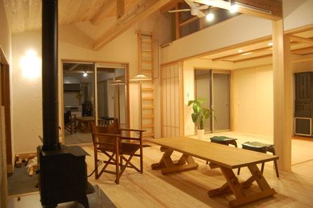 小さな家 木の家 リノベーション 小屋 素材 デザイン 暮らし