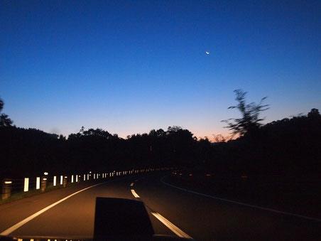 国道392号線 白糠国道 月が見える