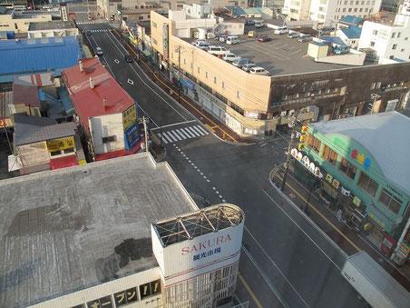 隣は函館朝市。好立地だぞ。