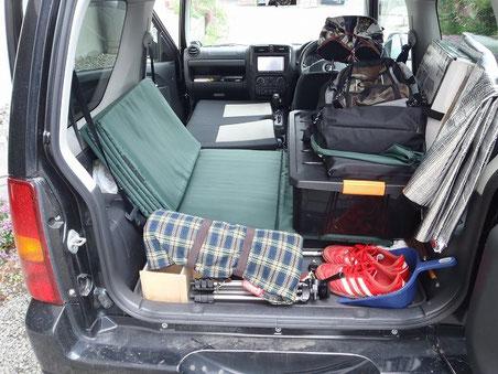ネットで色々調べてジムニーのフラット化に成功。車中泊ならヒグマも怖くない!?