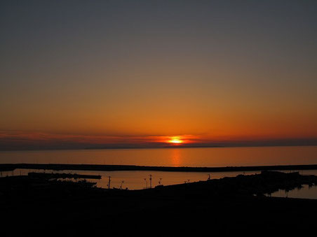 2012年6月 キャンプ場から苫前港を見る