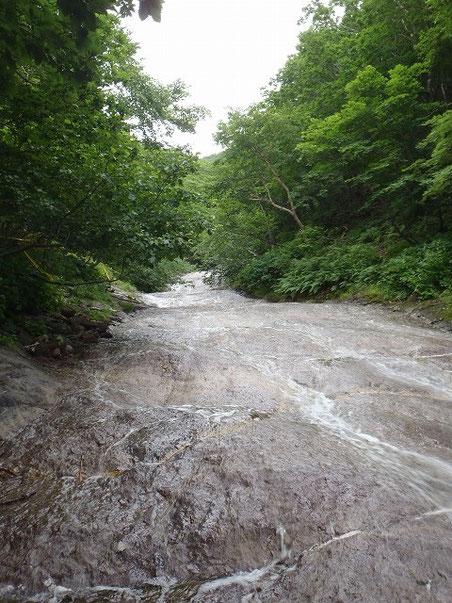 15:41 カムイワッカ湯の滝