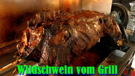 Wildschwein vom Grill mit Kloß und Salatbuffet im Gasthof Entenmühle