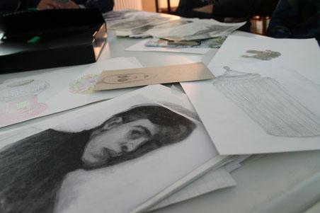 Copie di opere di pittori conosciuti.