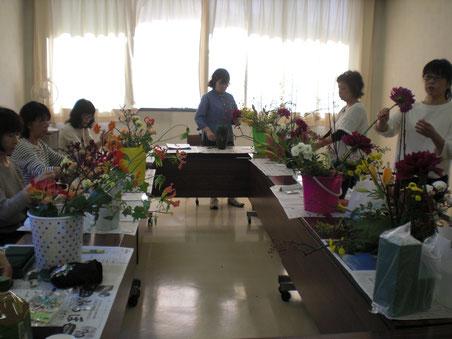 フラワー・サークル レモンリーフ 流山教室 レッスン風景