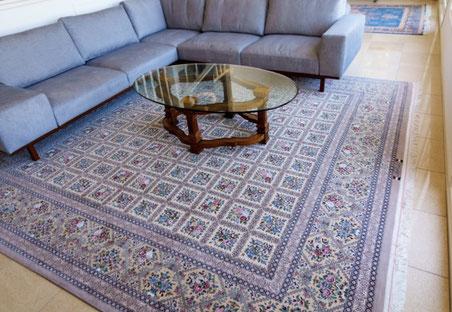 ESFAHAN  wool&silk  3mX3m  素晴らしい絨毯です。80Rajほどの細かさとお色のコントラストが絶妙