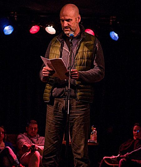 Jan Oechsner beim Poetry Slam in Jena