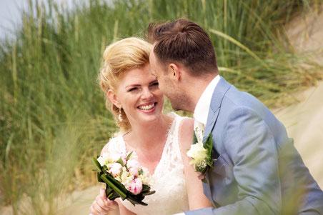 Bruiloft Tomas en Dana strand van Wijk aan Zee