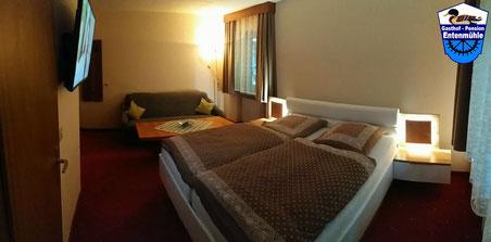 Doppelzimmer Nr. 6 mit Dusche/WC/Wlan/LED Sat-TV