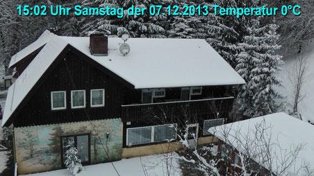 Wetter vom Samstag den 07.12.2013 um 15:02 Uhr Temperatur 0°C bedeckt, leichter Schneefall. Über Nacht gab es Neuschnee bis zu 20 cm.