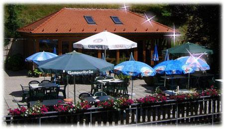 Biergarten - Terrasse Gashof-Pension Entenmühle nehmen Sie Platz bei schönem Wetter