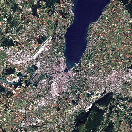 Geneva viewed by Sentinel-2 satellite. Click to enlarge.