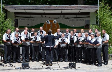 Der Männergesangsverein Schönau eröffnet traditionell das Sängerfest.