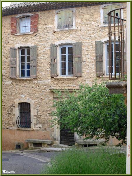 Ancien Bureau de Poste - Goult, Lubéron - Vaucluse (84)