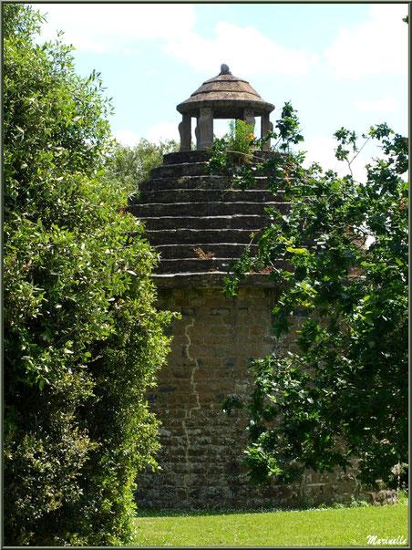 Le Pigeonnier - Les Jardins du Kerdalo à Trédarzec, Côtes d'Armor (22)