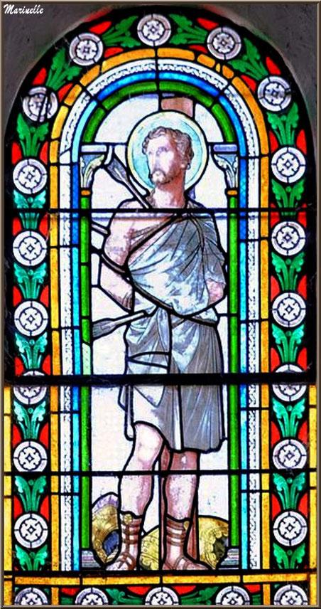 Un des vitraux de l'église Saint Sébastien - Goult, Lubéron - Vaucluse (84)