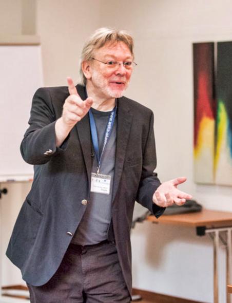 Prof. Dr. Ulrich Thiele im Seminar