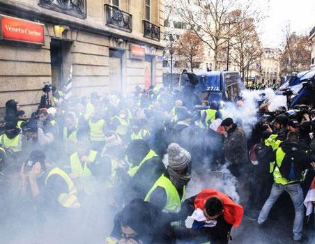 Politiet anvendte massiv tåregas ved den mindste anledning