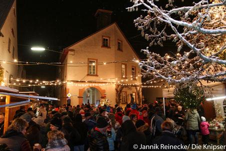 Auf dem Monsheimer Weihnachtsmarkt war ein großer Andrang.