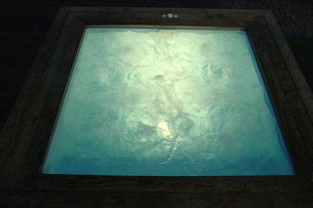 Mini piscine SPA éclairée