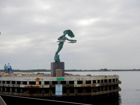 """Skulptur """"Elle"""" von Poul R. Weile im Bogenser Hafen, Dänemark, 1997, Kunst im öffentlichen Raum"""