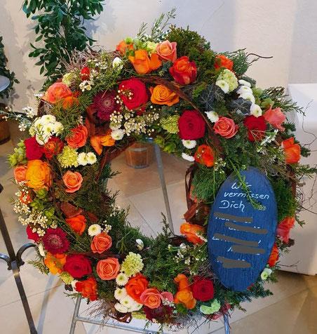 Trauer, Beerdigung, Trauerschmuck, Kränze, Schleife, Blumen, Todesfall