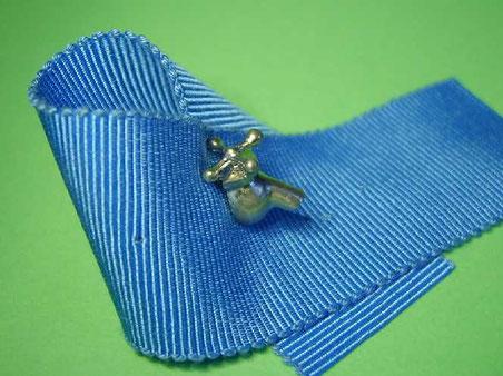 販売品 水道の蛇口ミニチュアピンブローチ ピューター(スズ)製 ショートタイプ 銀色 シルバー色