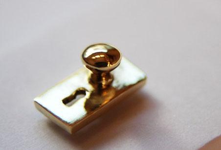 販売品 アンティーク、レトロなドアノブ 真鍮製 金色