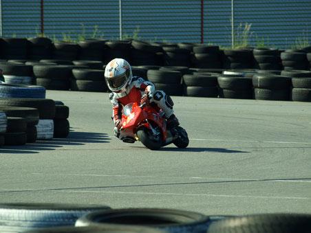 2011 fährt Marvin Siebdrath im Pocketbike Cup Sachsen Event