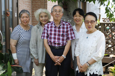 左から、オーナー・温井克子、宮川智子、青柳総太郎、林美栄子、伊中悦子